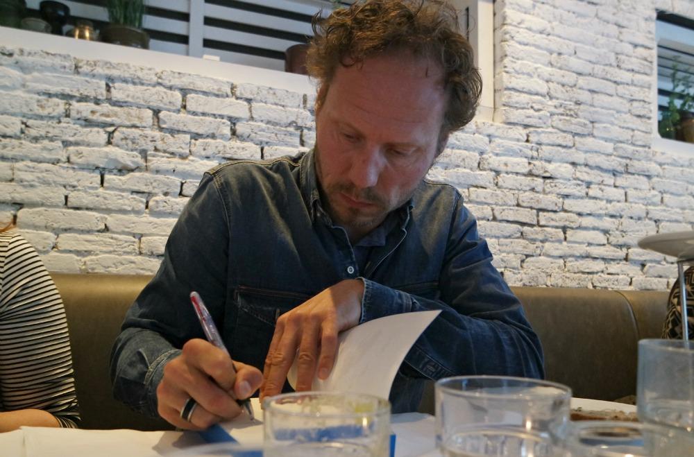 Buddy Tegenbosch signeren