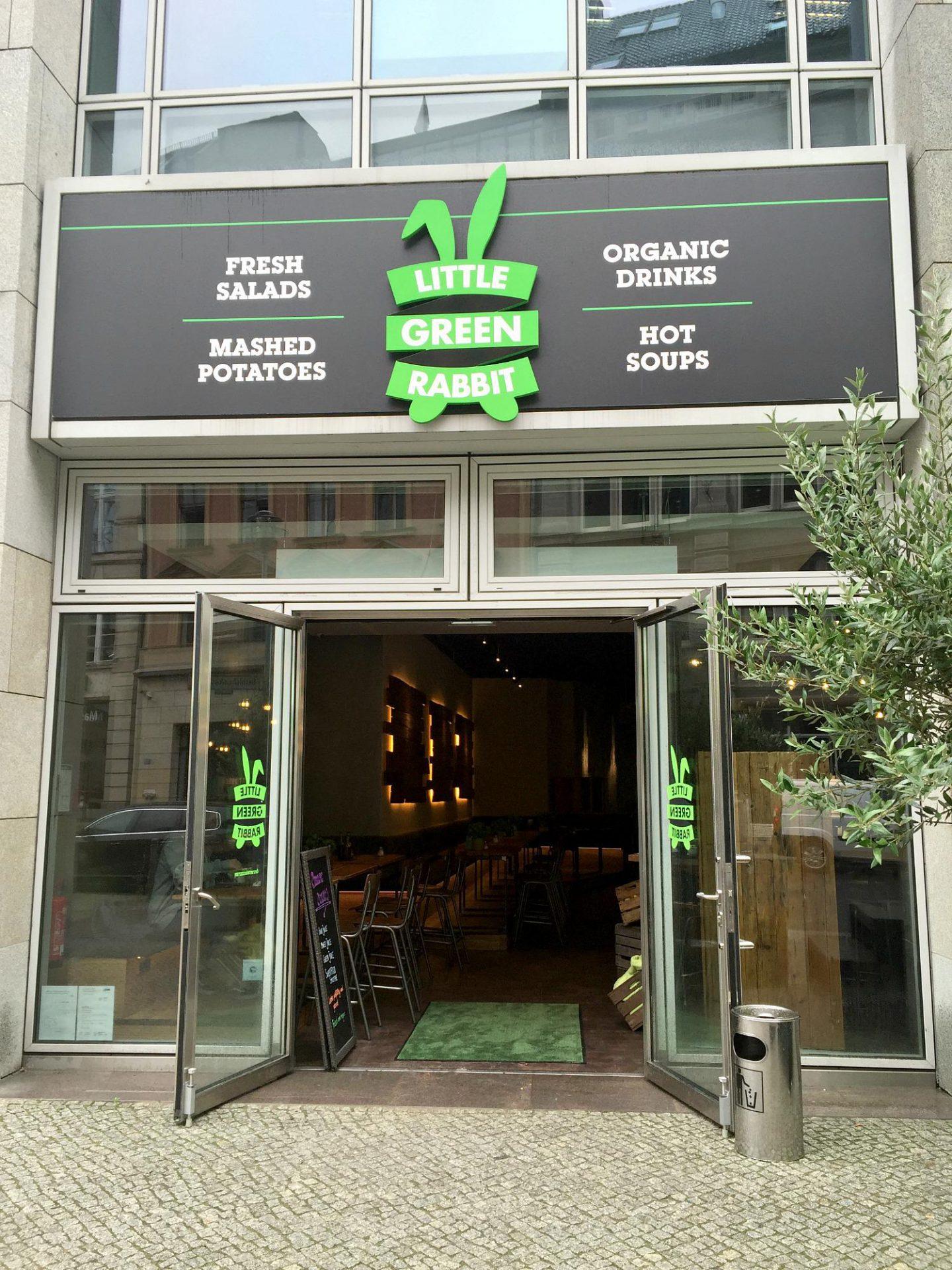 Little Green Rabbit Berlijn | locatie Charlies checkpoint