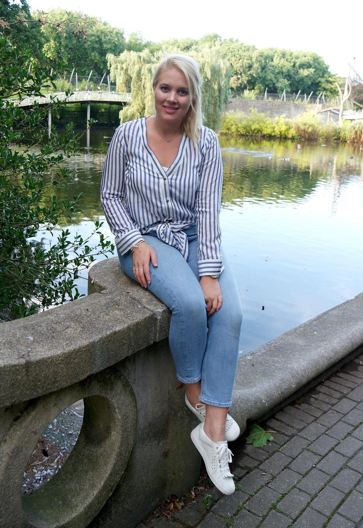 Gestreepte blouse H&M, Broek Primark, Schoenen Via Vai