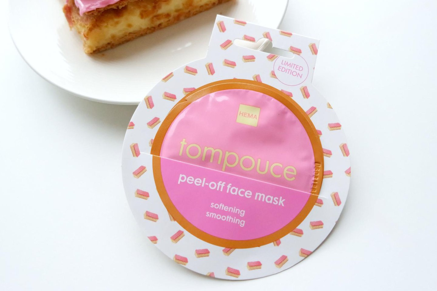 Hema Peel-off face mask Tompouce limited edition