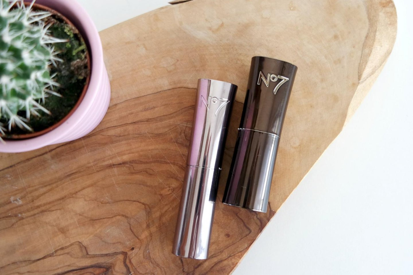 Review | No7 Stay Perfect en Moisture Drench lipstick