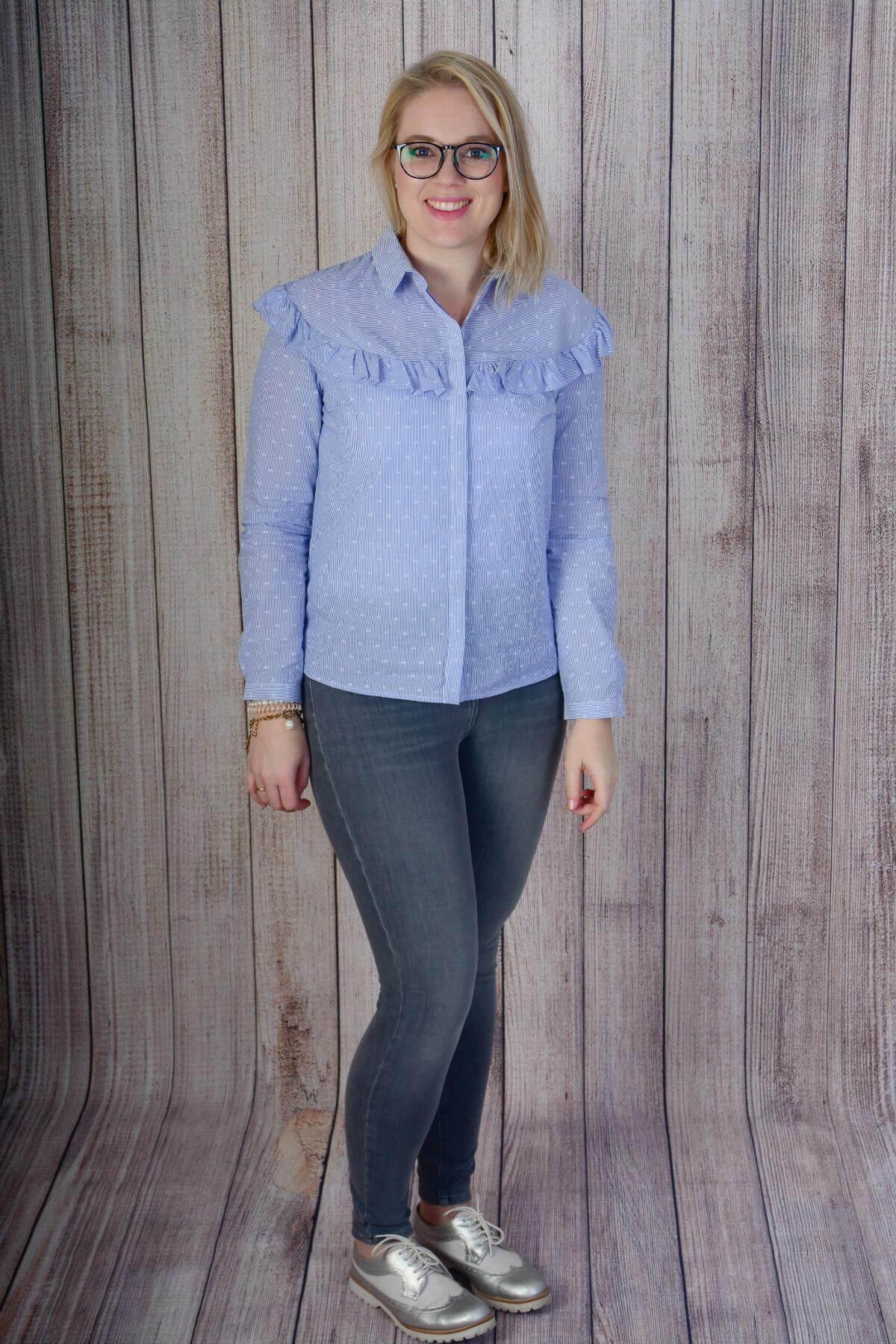 Fotoshoot Dees Javu Fotografie Outfit blouse met raffles