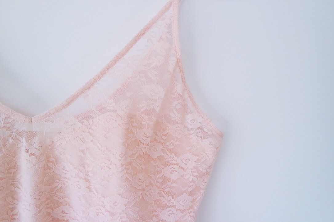 Roze kanten body H&M