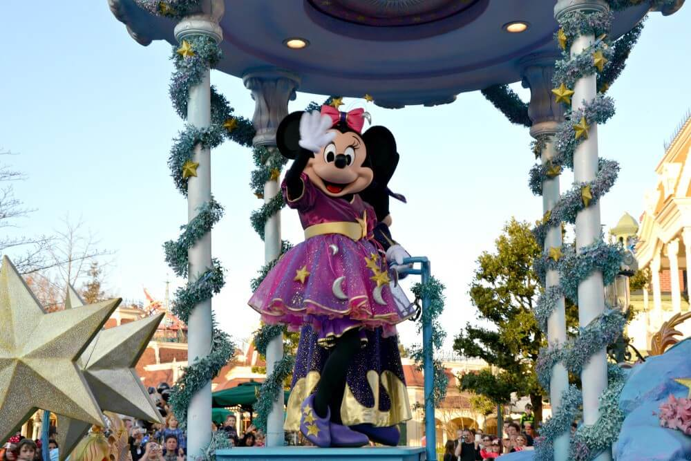 Minnie mouse parade