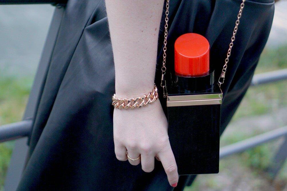 Outfit | Roller skate girl - lipstick tas 1