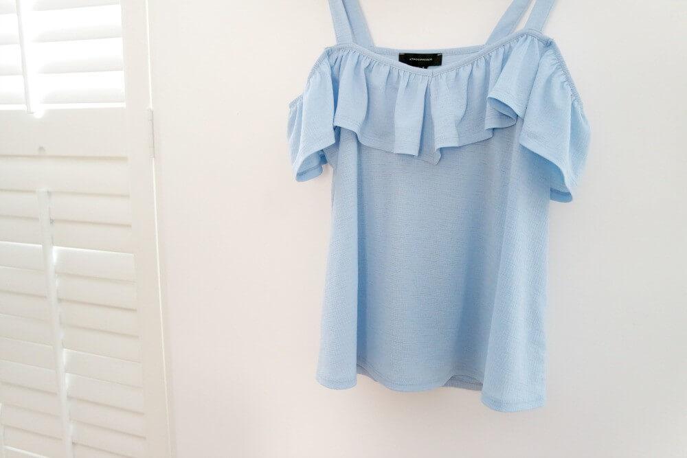Primark shoplog mei - licht blauwe top