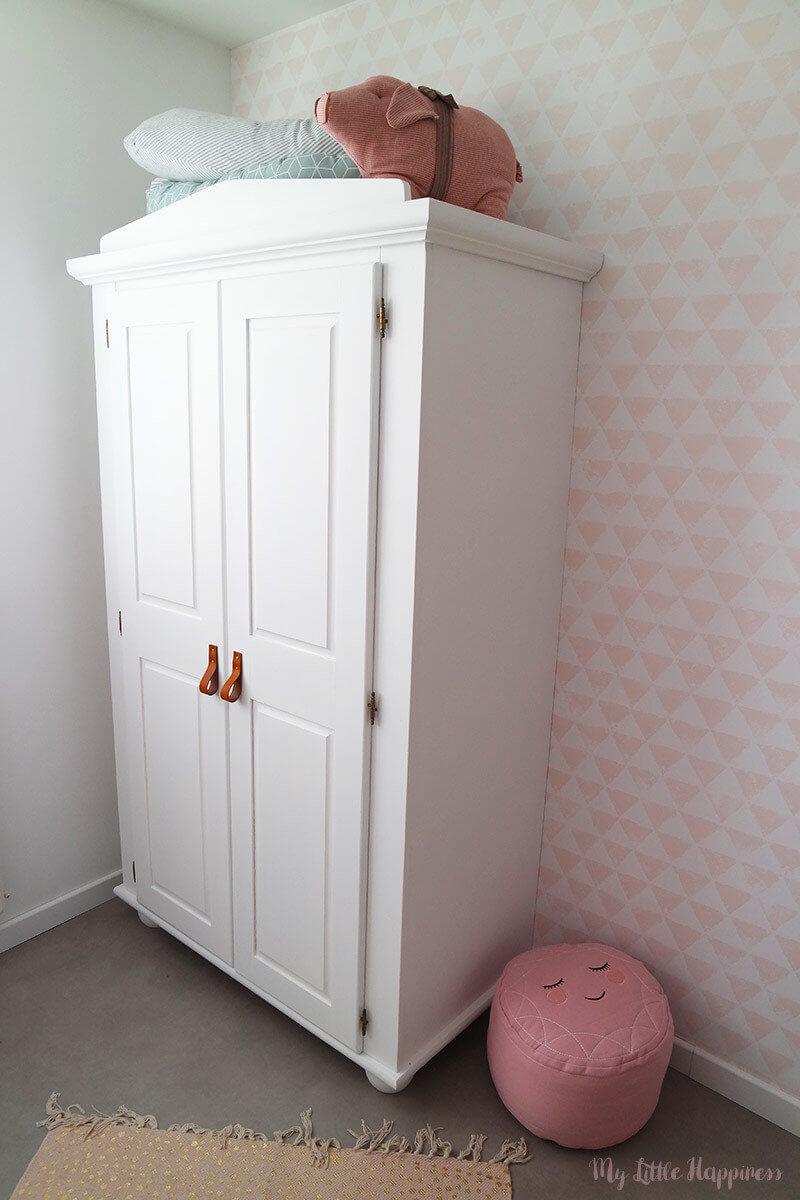 Babykamer meisje - kledingkast