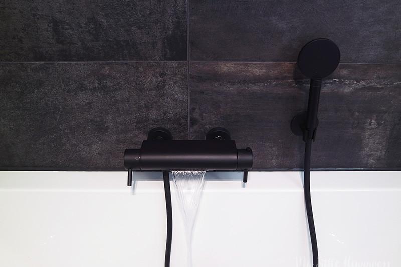 Hothbath Cobber met cascade / waterval mat zwart